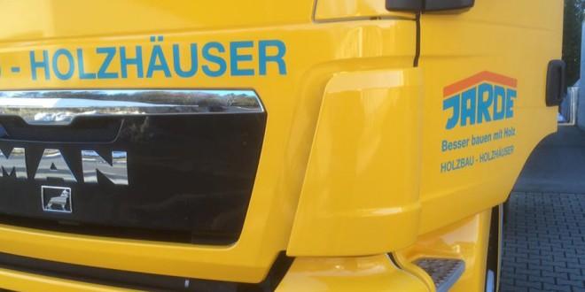 Firmenbeschriftung Lastwagen
