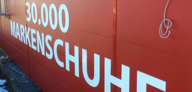 Montage in Biberach für das Unternehmen  H&D schuhcompany
